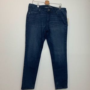 Women's skinny dark blue jeans